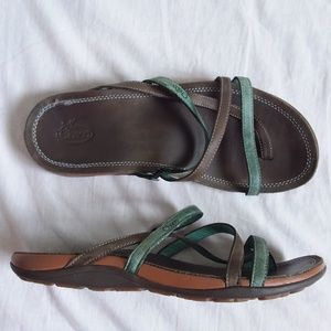 Chaco Brown Blue Leather Strappy Sandal 7
